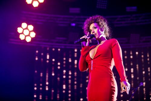 Glennis Grace eert Whitney Houston met groots concert in Lotto Arena Antwerpen